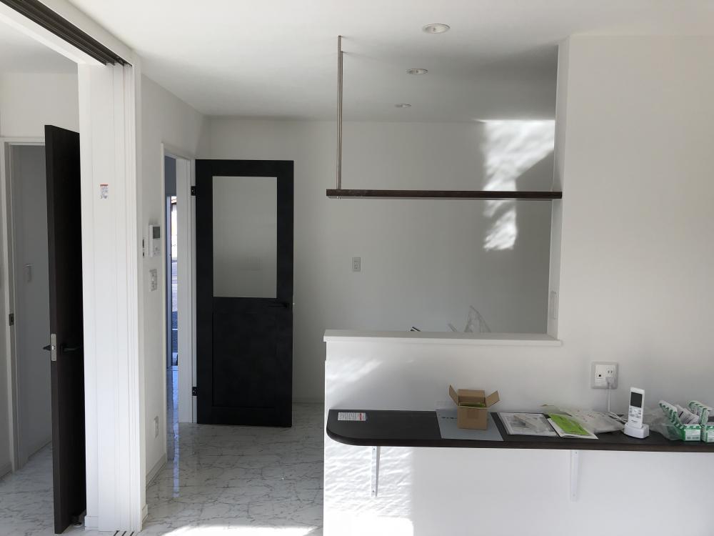 デザインされたメゾネットアパート完成