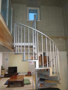 「らせん階段」の画像