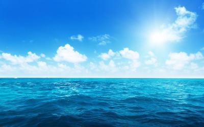 今日は海の日です