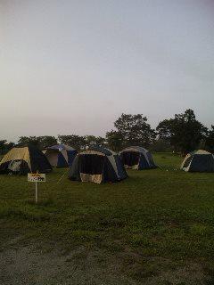 2012/08/22 06:21/テントを張ってのキャンプです。