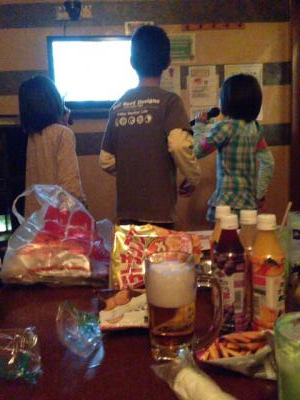 2012/11/29 06:00/家族お初の!カラオケデビューです!