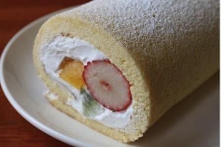 マルキッチン/米粉のフルーツロールケーキ:画像