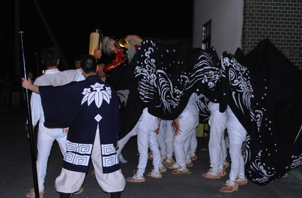 成田八幡神社獅子舞