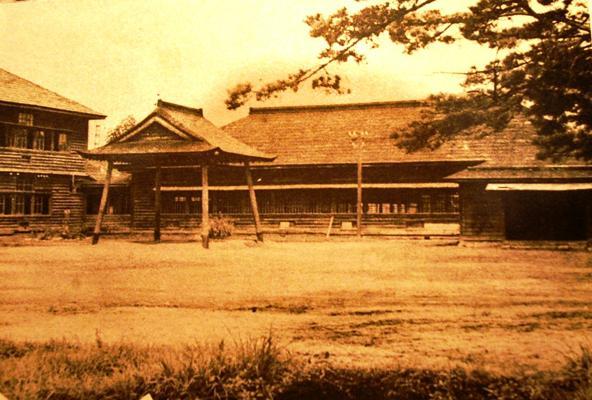 川西町立小松小学校