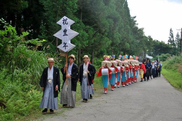小国町船渡獅子踊り(その1)