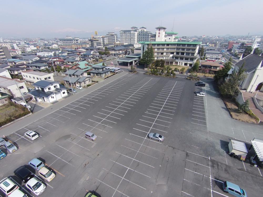 無料駐車場350台分御座います|天童グランドホテル舞鶴荘