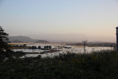 湖? 台風一過の青空 赤湯の台風のつめ跡に驚愕 白竜湖はどこに行った?