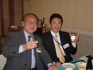 高畠町の観光協会事務局長さんと米鶴社長さん、高畠町の歴史談議