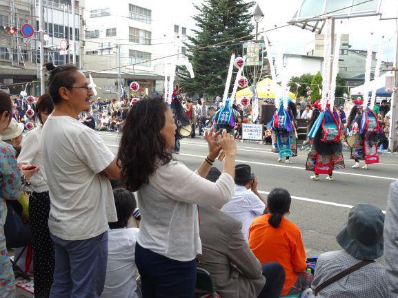鹿踊りと外国人ダンサ-、そしてラグビーワールドカップ