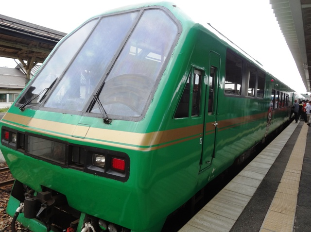 臨時列車「米沢散策トレイン」(9月7・8日):画像