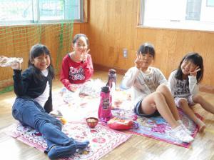 秋の美味しい行事!芋煮会 (中央学童クラブ):画像