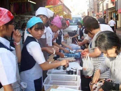 【北中・南中の2年生が東京で販売体験しました♪】:画像
