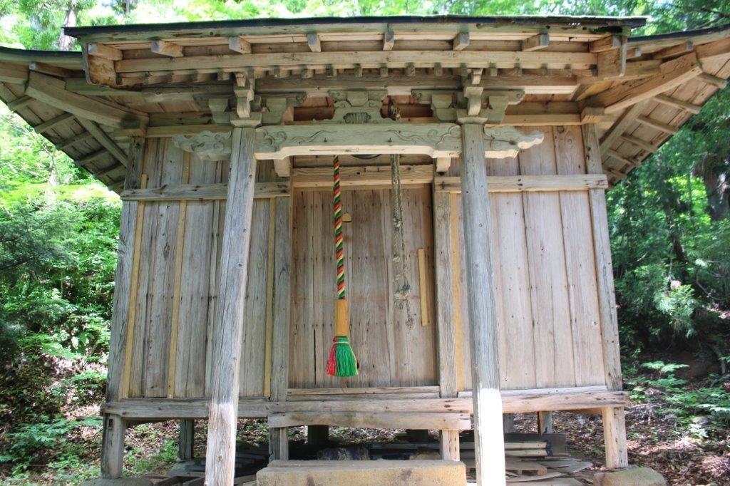 花窪の枩尾神社