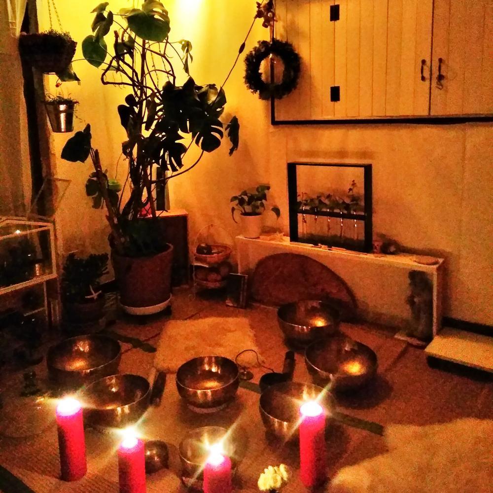 2月16日(金)みずがめ座の新月「お月さま瞑想ライブ」のご案内です。