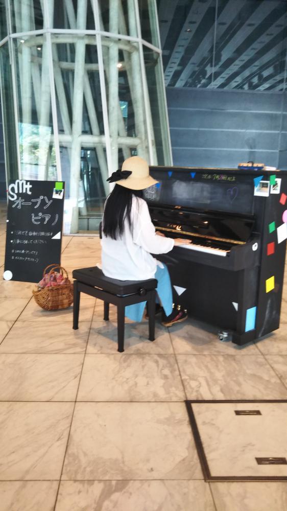 オープンピアノがありました!
