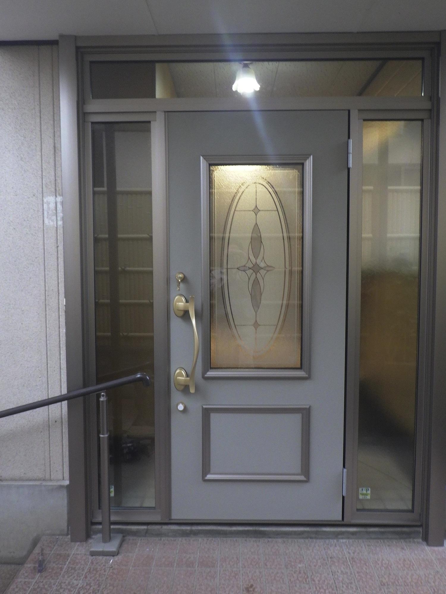 玄関が・・・・