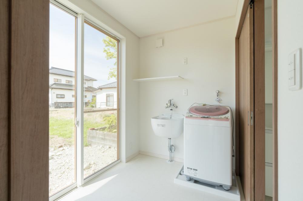 洗面脱衣室にはユーティリティシンクを設置