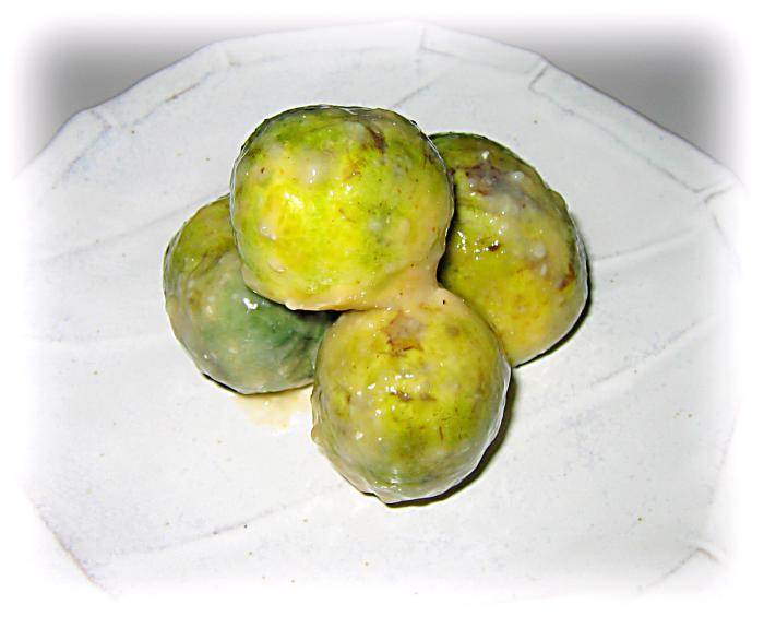 白鷹町は伝統野菜の「薄皮丸ナス」の収穫最盛期