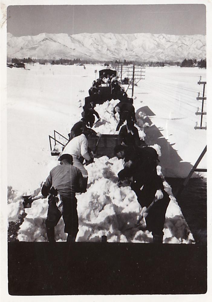 転車台と雪捨て列車