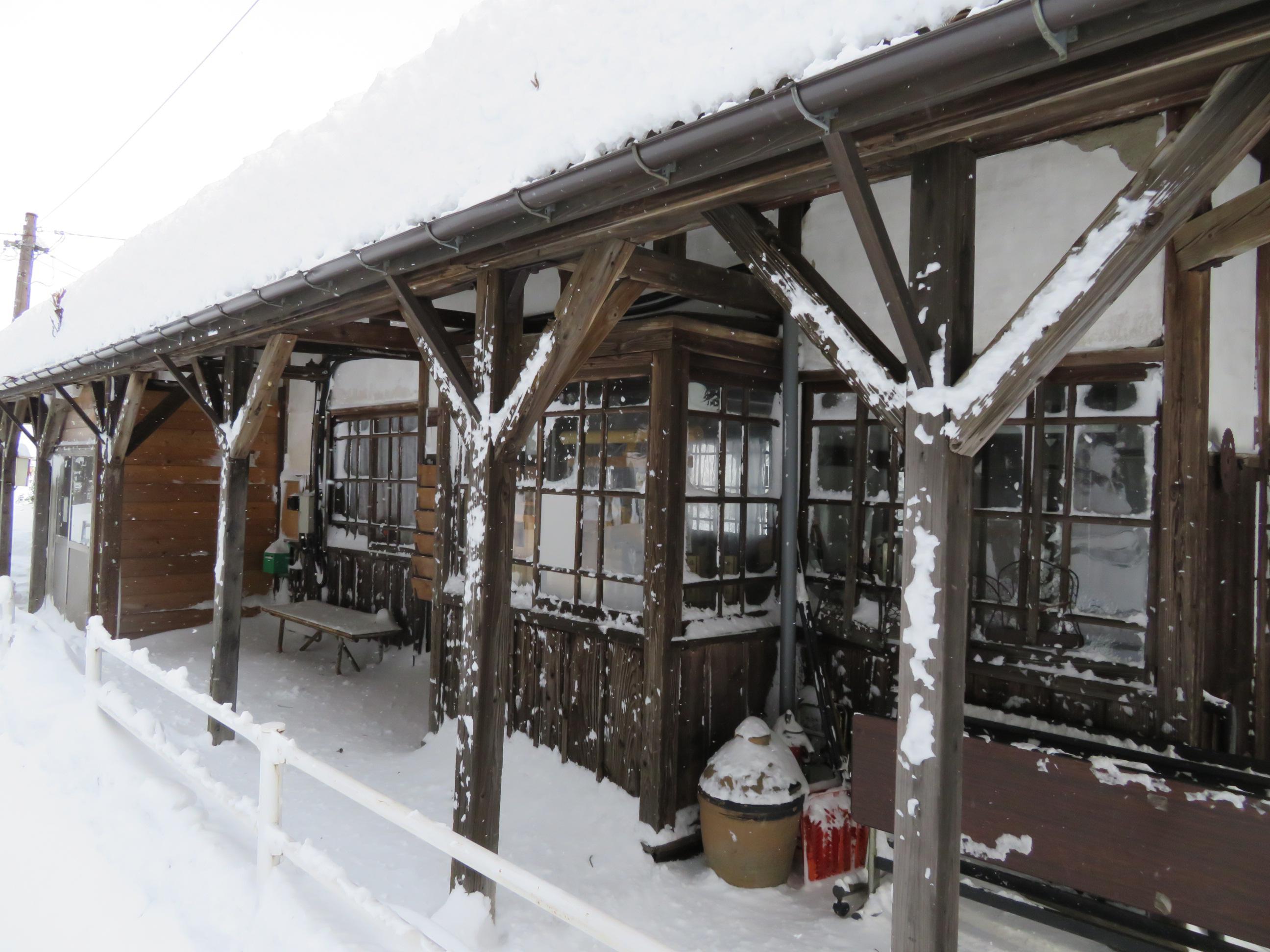 大雪だ、頑張れ山鉄!
