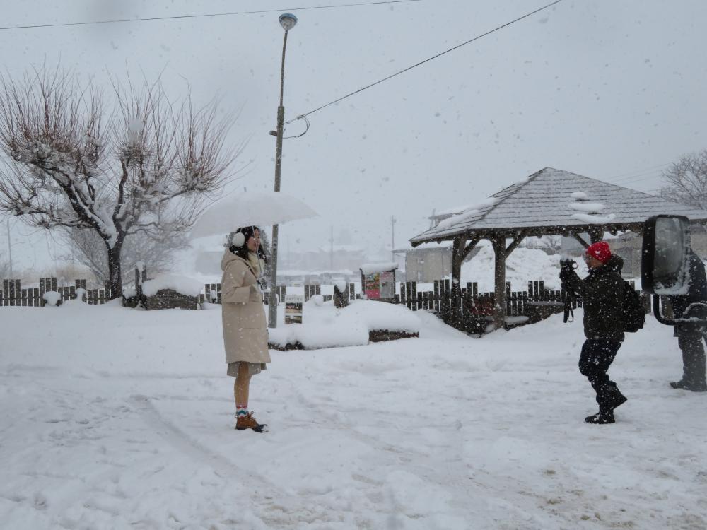 聖地巡礼には白い傘と・・・