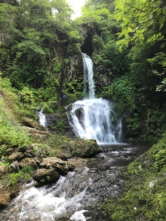 くぐり滝:画像