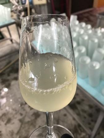 冬限定無濾過にごりワイン「美白濁2017」充填:画像