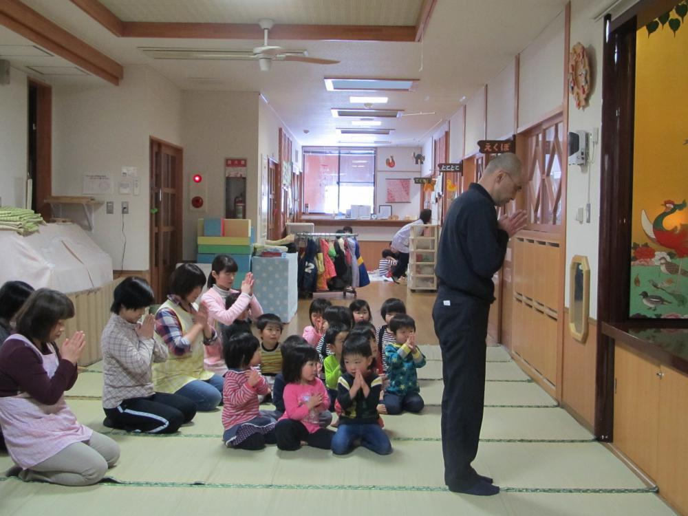 東日本大震災3周年で黙とうを捧げました