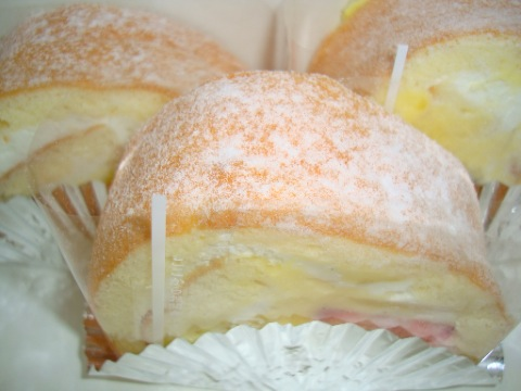 ロールケーキ (志保屋菓子店)