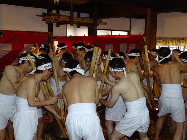 保呂羽堂の年越祭(千眼寺)