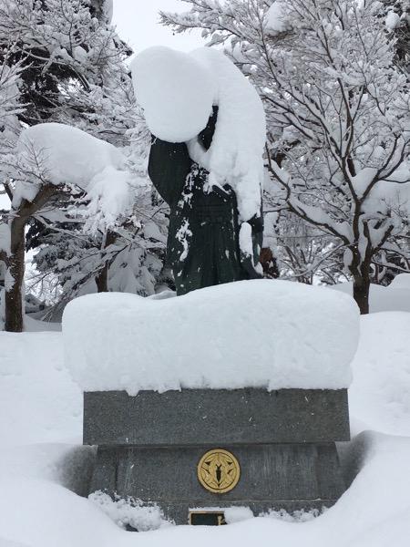 大雪の上杉神社