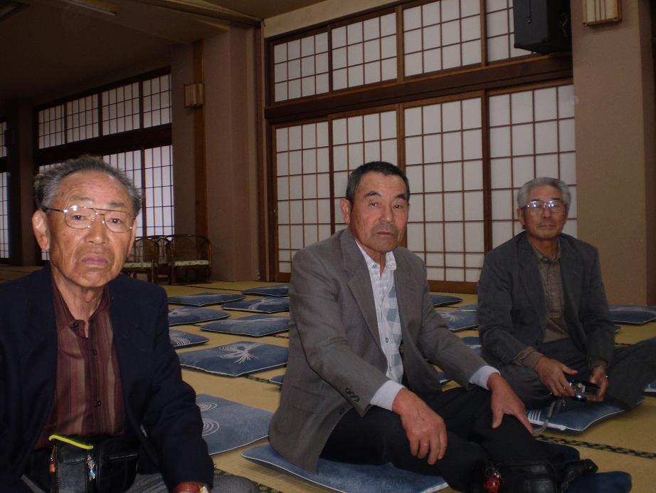 金田六郎さん昇天す(1番左に座してます)