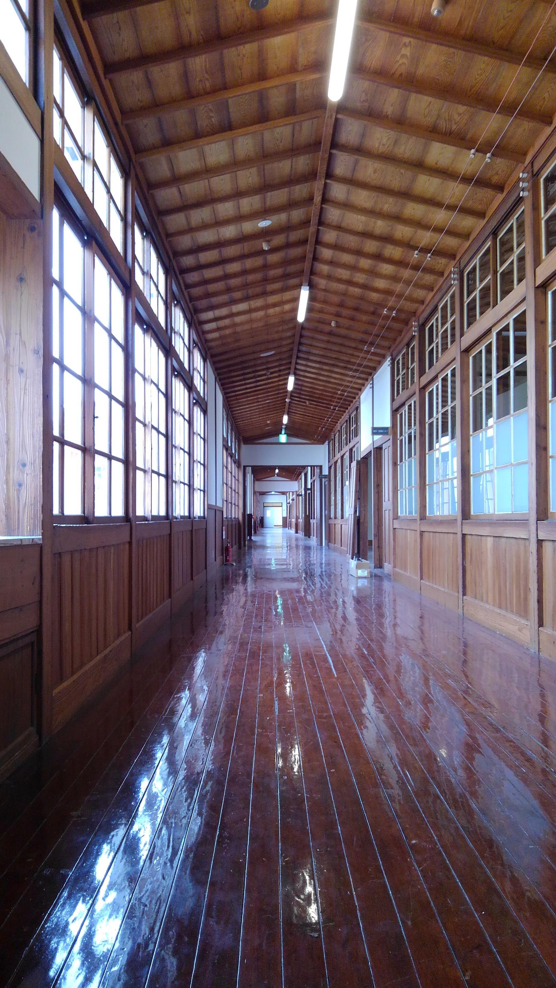 旧長井小学校が変わります