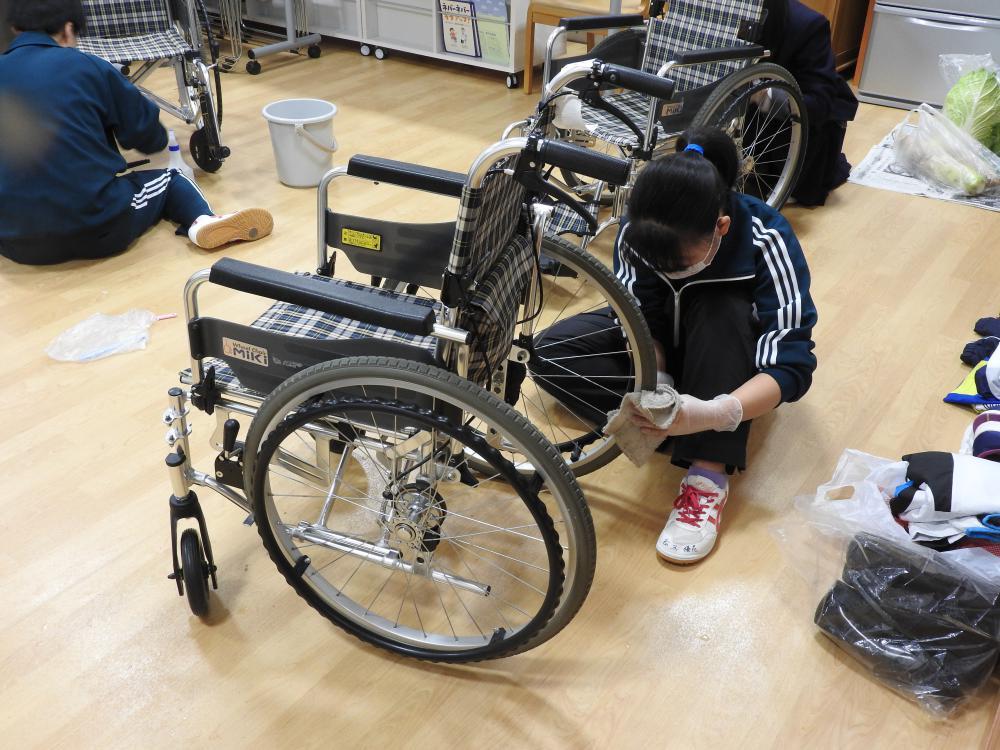 長井高校2年生のみなさん 雨の中ボラ活動お疲れ様でした:画像