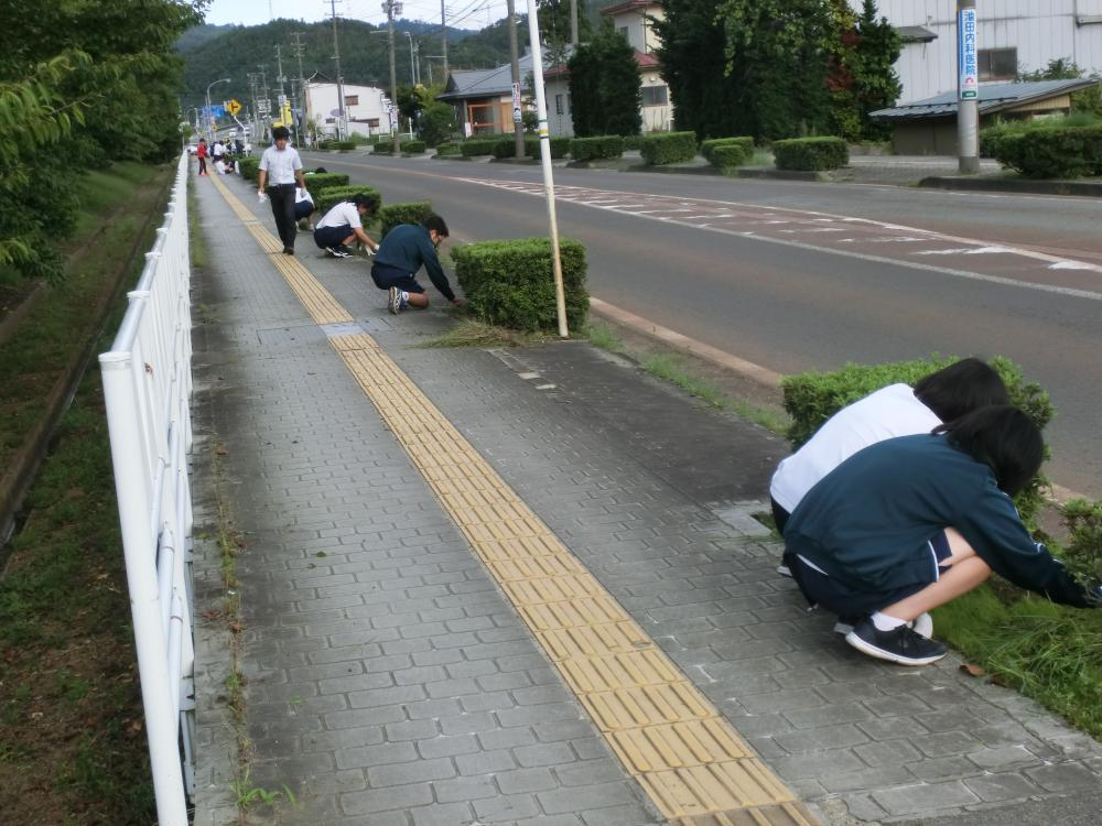 ボランティアで地域のチカラに!(長井高校1年生ボランティア活動)