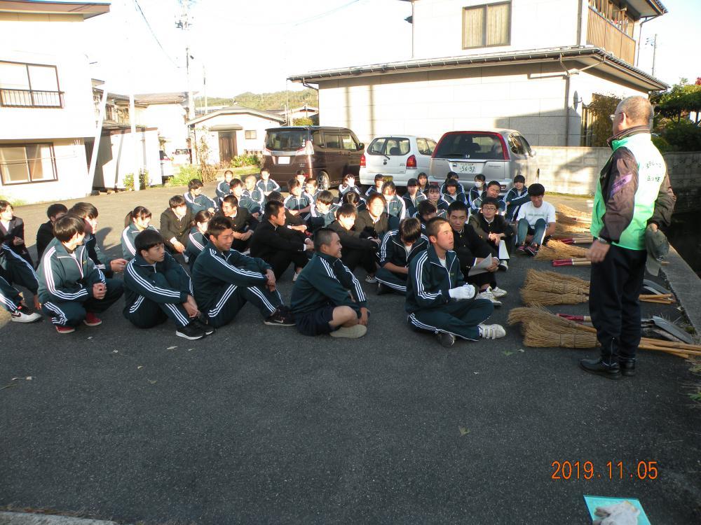 長井高校近隣の地域、施設で頑張りました!(長井高校2年生ボランティア活動):画像