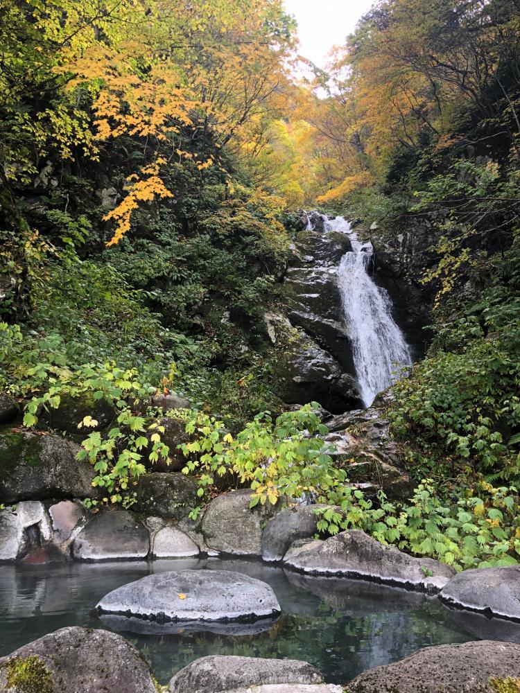 [非常漂亮的景色!] 看,露天浴池瀑布进球!?]回家,星期一找到,队10/21朝日电视台19:00~播放:图片