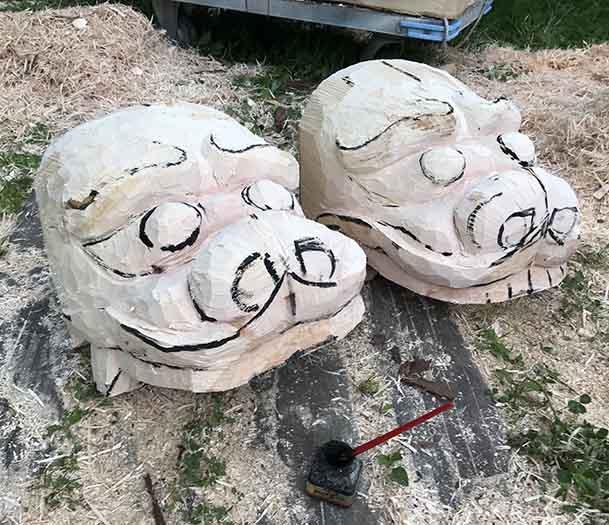 二頭荒彫り