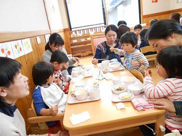 育児講座「試食会」