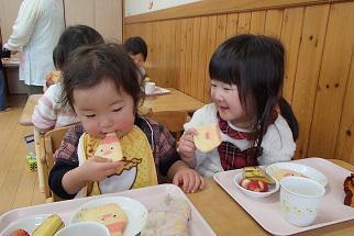 興道親和乳児園にサンタさんがやってきた!