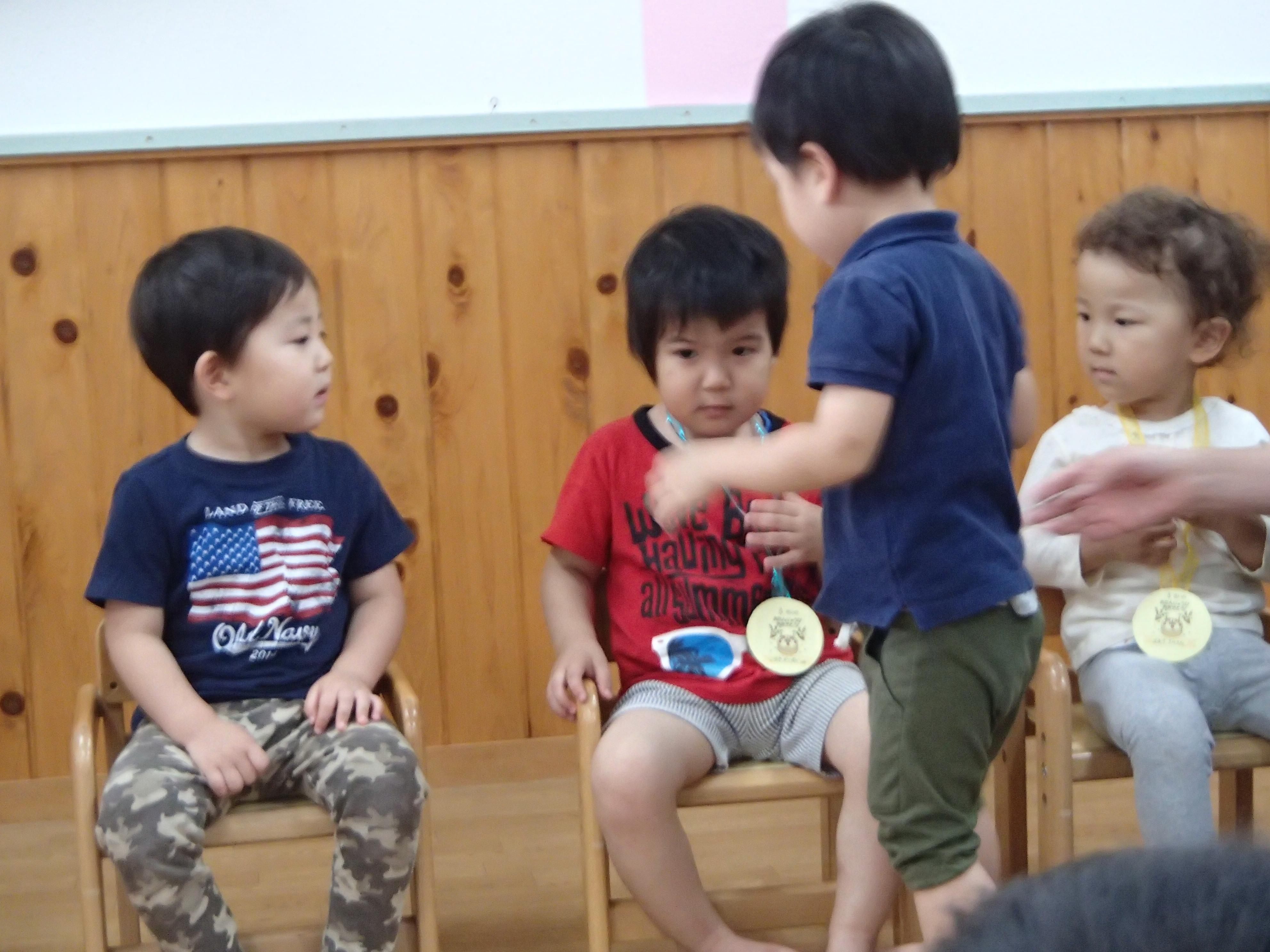 7月、七夕誕生会でお祝いしました。