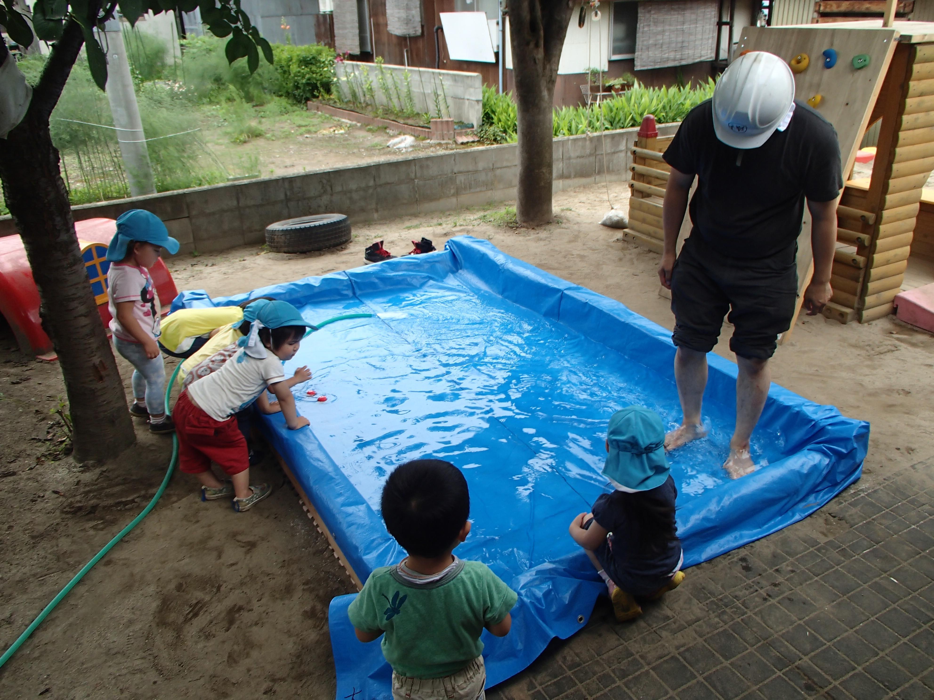 「キヨスクとバー」と「ジャブ池つくり」DIY