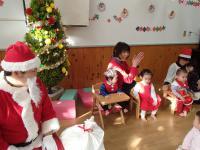 クリスマス誕生会でお祝いしました
