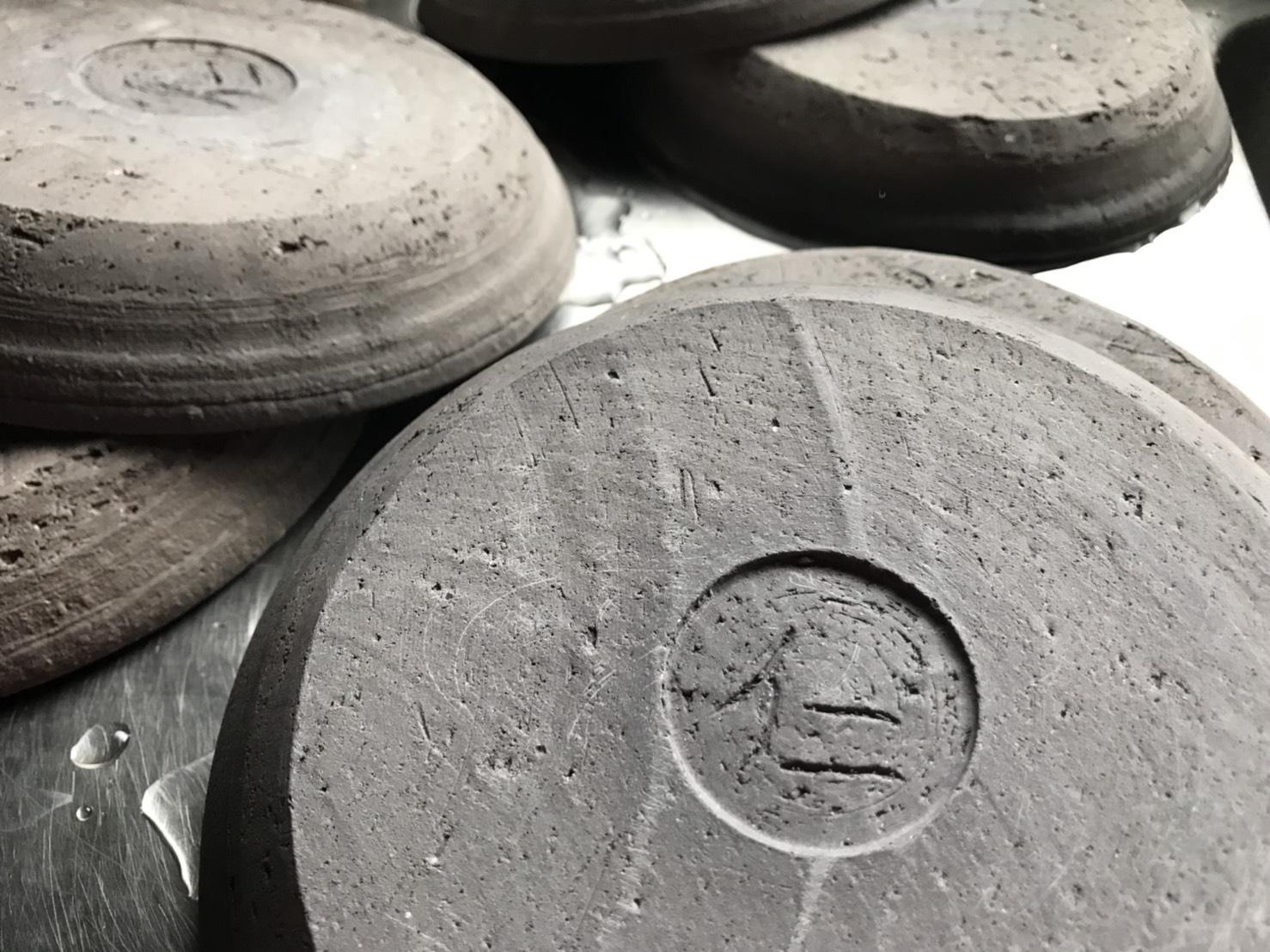 ゆざ陶器「遊水」の釜入れ