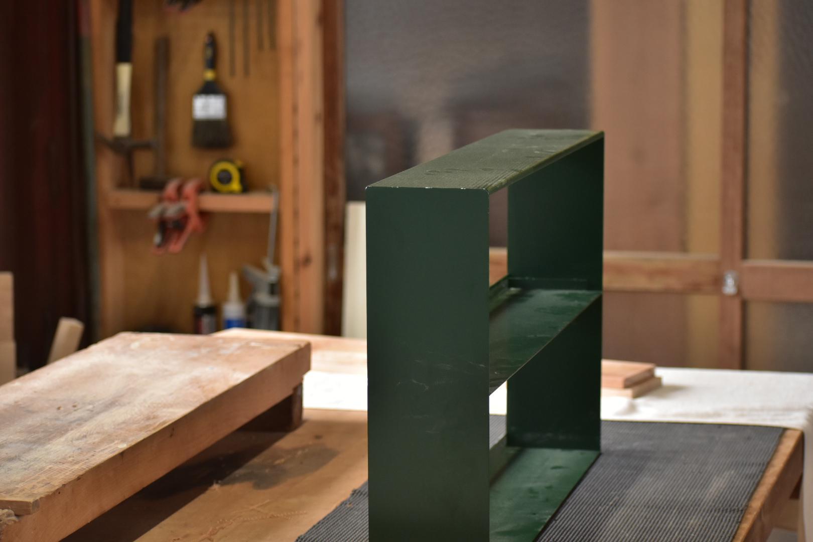 『ギャラリー用の棚を製作』