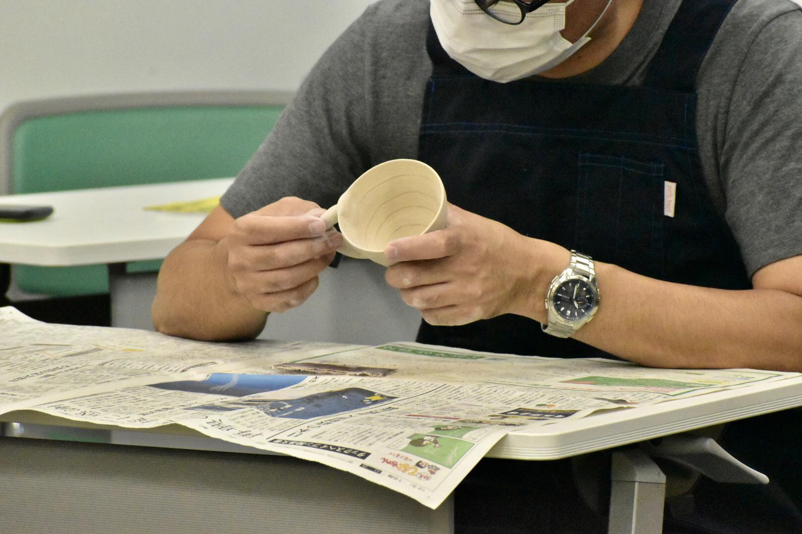 『仙台、出張陶芸教室で釉薬かけ!』