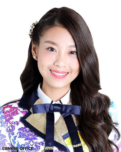 "January 7 ""straw sandals mikoshi portable shrine"" holding!  [member of BNK48 is going to arrive this year]"