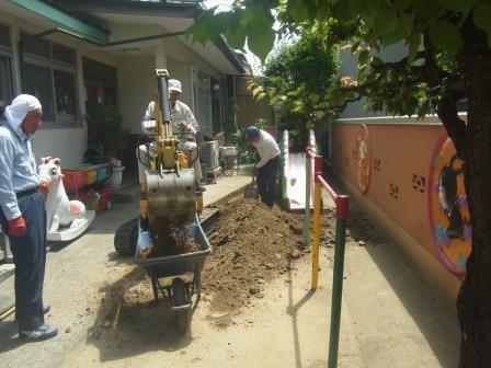 2017/07/14 16:34/園庭の整備