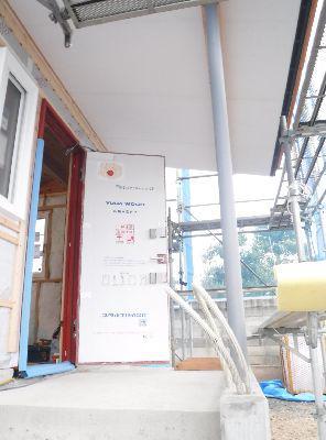 【郡山市新屋敷・ドミノI邸 】 おすすめの木製玄関ドア:画像