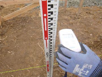 【郡山市富久山・ドミノA邸 】 今も現場では放射線量を計測:画像